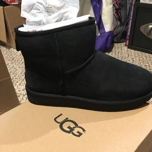 BRAND NEW UGG Mini II Black